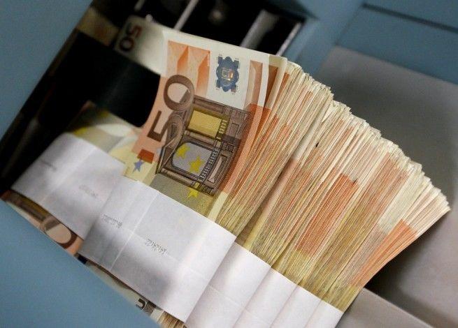 Επενδύσεις και δάνεια (  adriaanousdhr@gmail.com