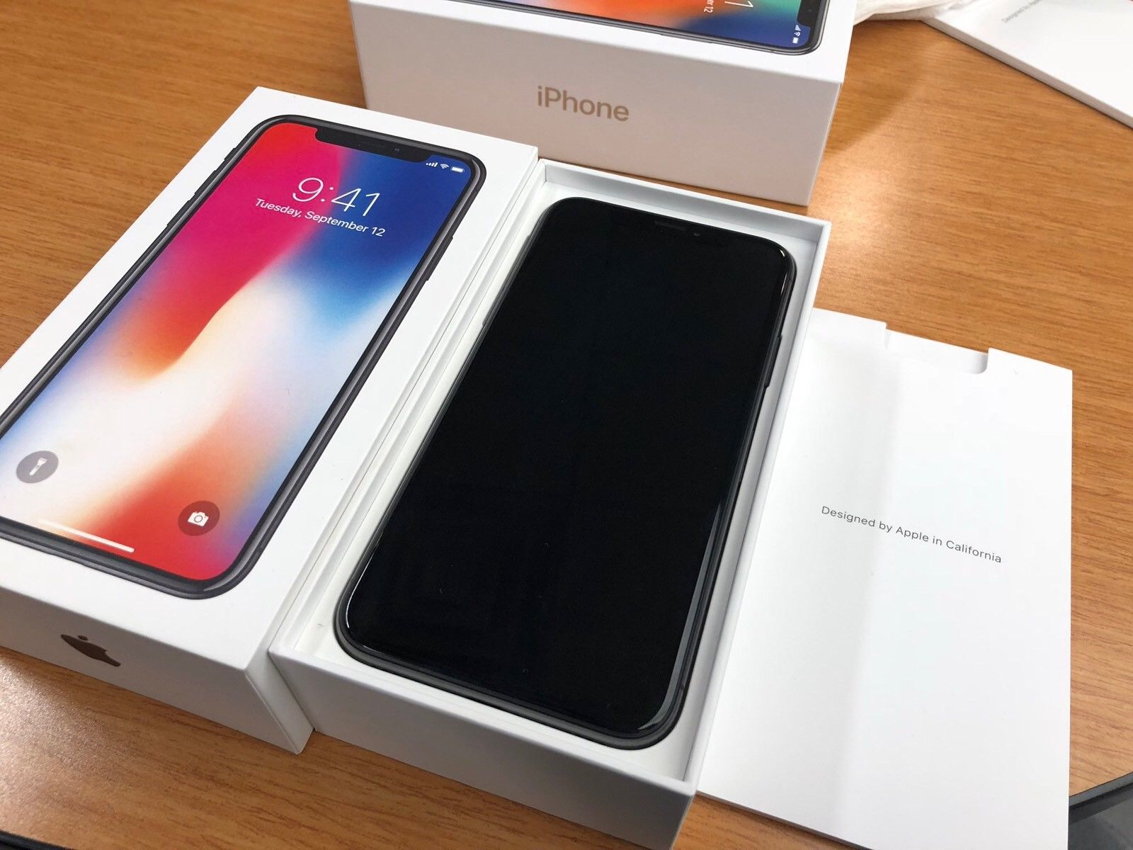 Πώληση  iPhone X 256GB € 530 iPhone 8 Plus 256GB € 440