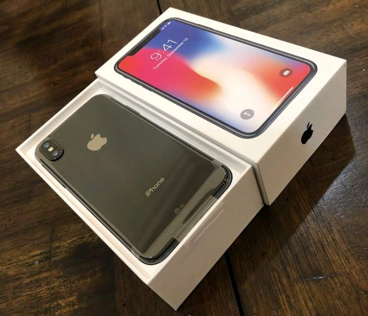 v Apple iPhone X 64GB/265GB = 400 EUR , iPhone 8/8 Plus 64GB / 256GB = 300EUR , WhatsApp +447451221931
