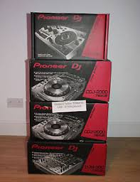 2x Pioneer CDJ-2000NXS2   1x DJM-900NXS2 mixer 1799EUR