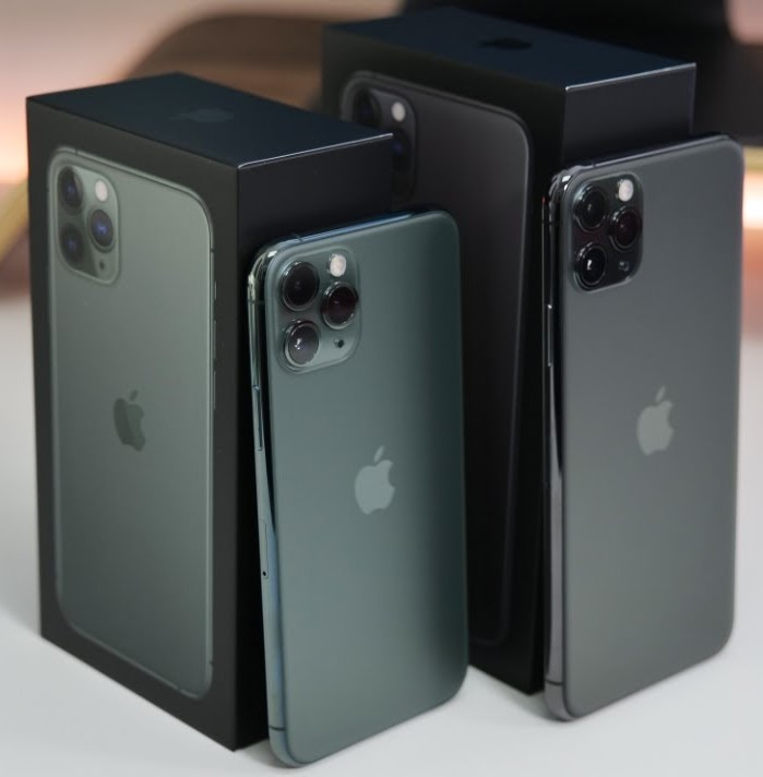 Apple iPhone 11 Pro 64GB = €500,iPhone 11 Pro Max 64GB = €530, iPhone 11 64GB = €400 ,iPhone XS 64GB = €350 , iPhone XS Max 64GB = €370 ,  Whatsapp Chat : +27837724253