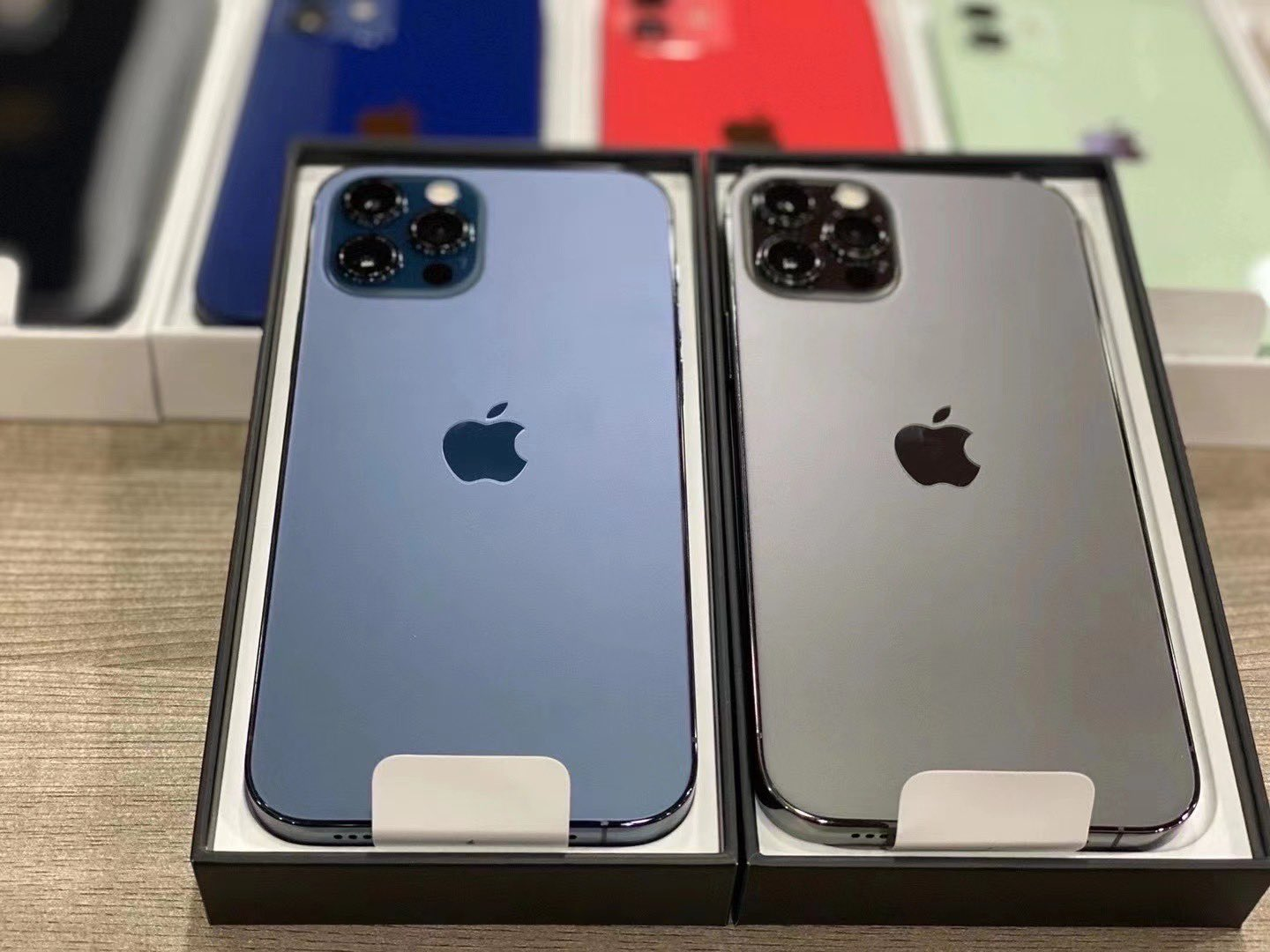 Apple iPhone 12 Pro 128GB = €600 EUR, iPhone 12 64GB = €480 EUR, iPhone 12 Pro Max 128GB = €650 EUR, Apple iPhone 11 Pro 64GB = €500 EUR, iPhone 11 Pro Max 64GB = €530 EUR, Whatsapp Chat: +27837724253