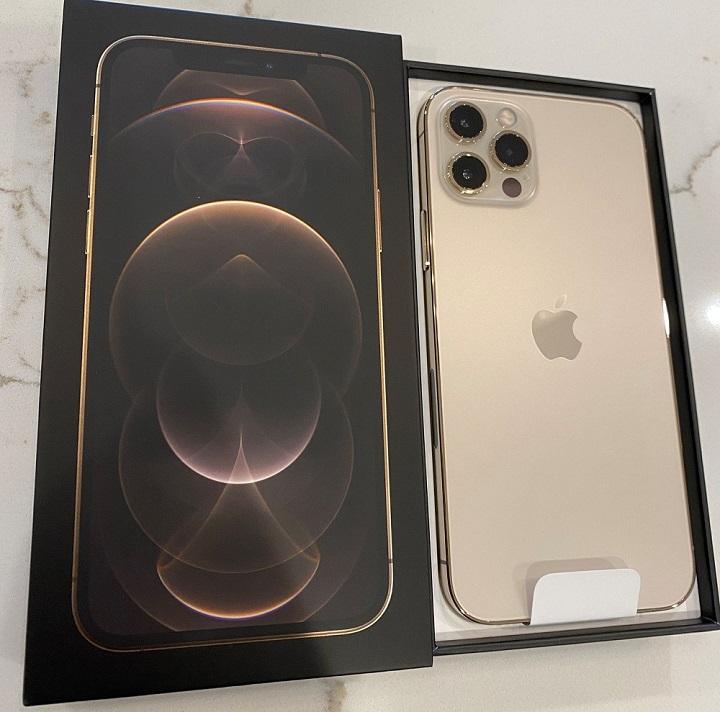 Apple iPhone 12 Pro 128 GB κόστος 600 EUR, iPhone 12 Pro Max 128GB κόστος 650 EUR, Sony PlayStation PS5 Console Blu-Ray Edition = 400 EUR, iPhone 12 64 GB κόστος 480 EUR,Apple iPhone 11 Pro 64 GB κόστος 500 , iPhone 11 Pro Max 64 GB κόστος 530 EUR